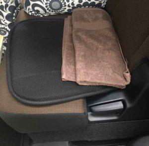 車のシートのタオル