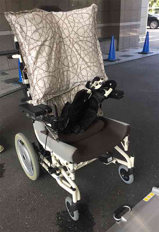 車椅子を車に乗せるとき