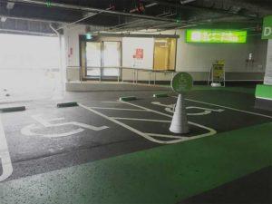 『木の葉モール橋本』の駐車場Bエレベーター付近