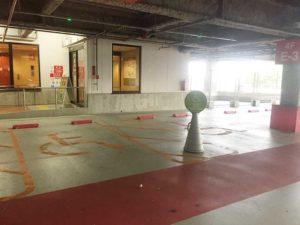『木の葉モール橋本』駐車場