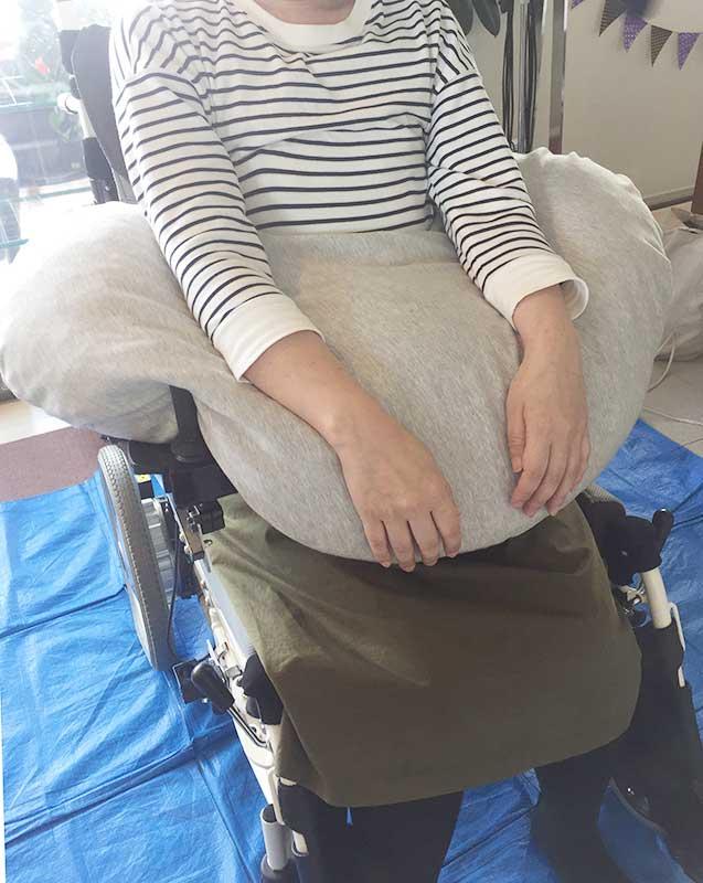 車椅子とクッション